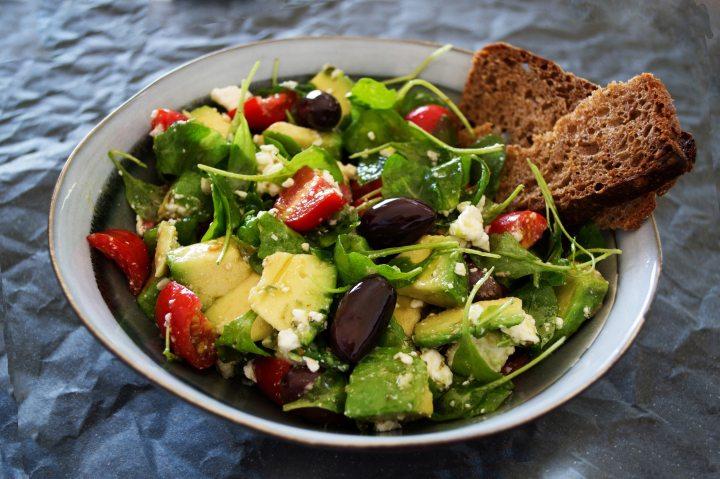 4 Receitas de Saladas e Fáceis Para Levar para aPraia